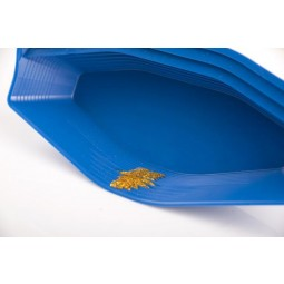 Gold Claw Pocket Pan with gold