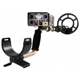 Fisher CZ-3D Metal Detector with arm sling closeup