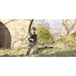 Man in green camouflage using OKM Fusion Professional Plus with Tablet PC