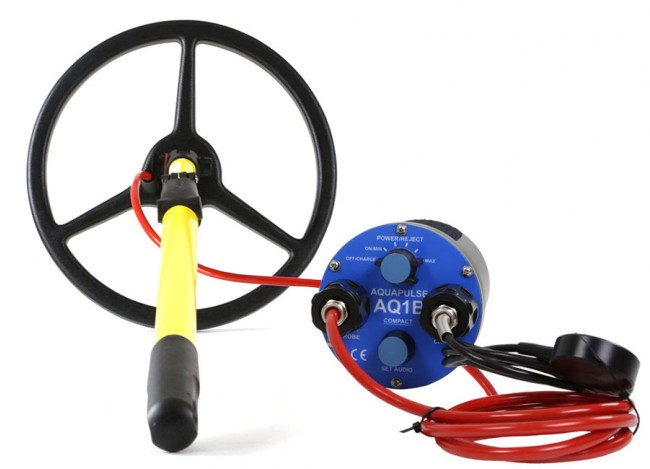 "Aquascan Aquapulse AQ1B Standard Diver Kit with 10"" Submersible Coil AQ1030 Image 1"