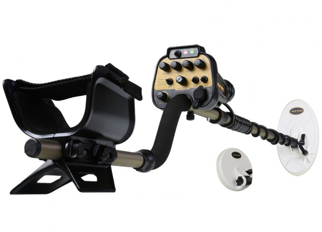 """Nokta Makro AU Gold Finder Metal Detector shown with 10"""" and 5"""" Waterproof Search Coils on white background"""