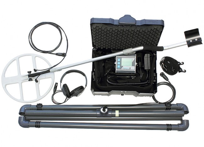 Lorenz Deepmax Z1 Metal Detector shown with accessories from Kellyco Metal Detectors
