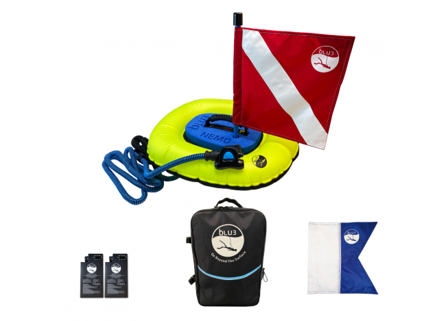 The Blu3 Nemo diving apparatus and included accessories