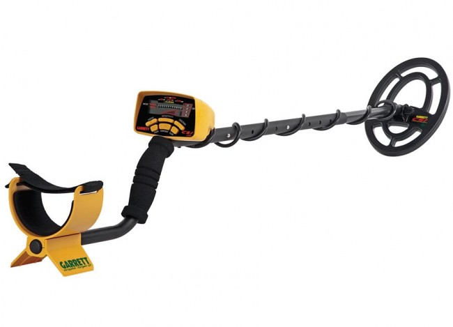 Garrett CSI 250 Ground Search Metal Detector shown at an angeled profile