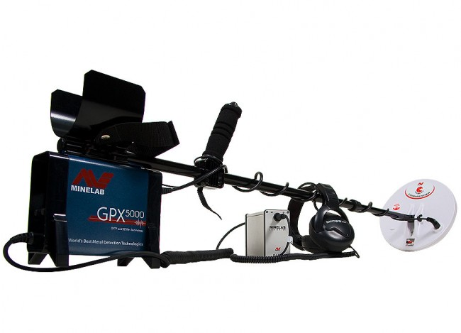 Minelab GPX 5000 Metal Detector shown with headphone from Kellyco Metal Detectors