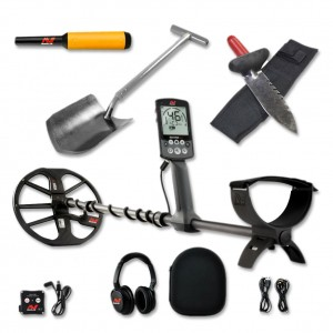 Image of Minelab Equinox 800 Metal Detector Bundle