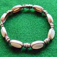 mxt-finds-mothers-of-pearl-bracelet-1