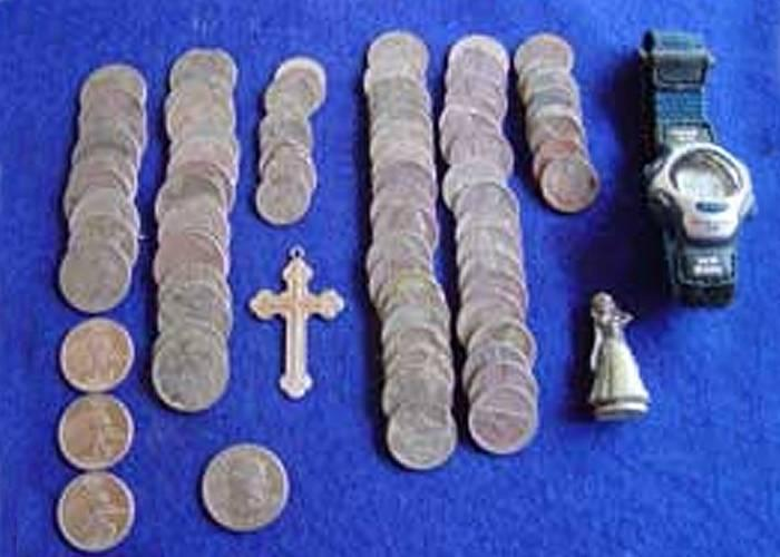 whites-and-excelerator-finds-silver-crucifix-and-coins-3