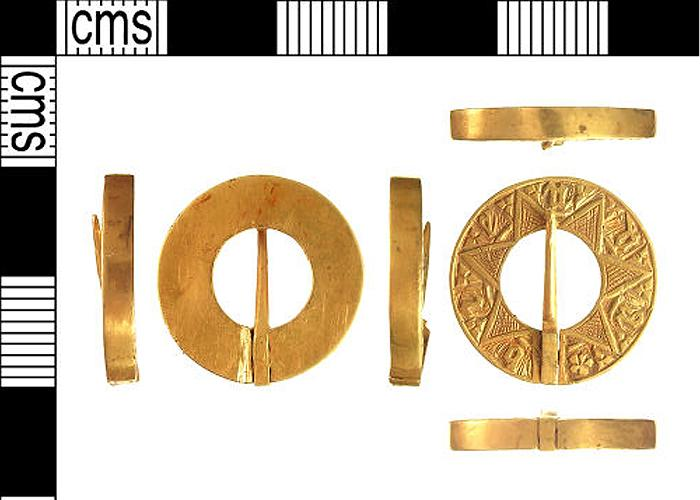 gold-brooch-dubbed-a-unique-discovery-1