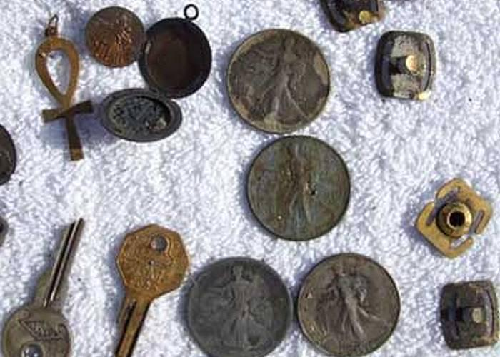 fisher-metal-detector-finds-rings-coins-and-more-4